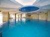Крытый застекленный бассейн